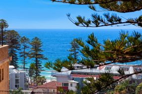 Augusta_Road_6_Manly_(View)